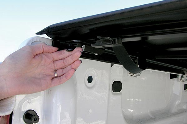 access vanish tonneau cover trigger latch
