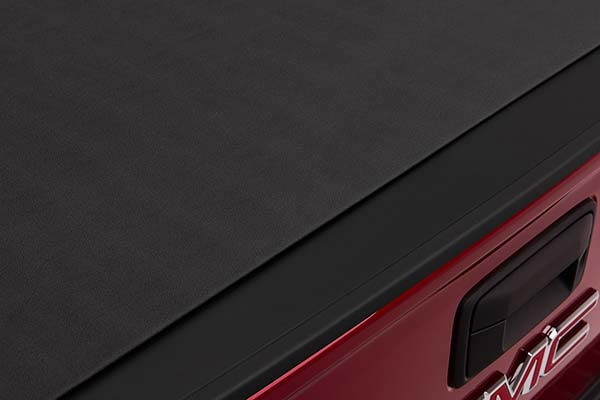bak x4 close up of tailgate overlap