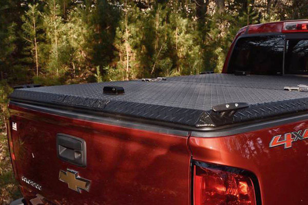 diamondback se truck bed cover installed