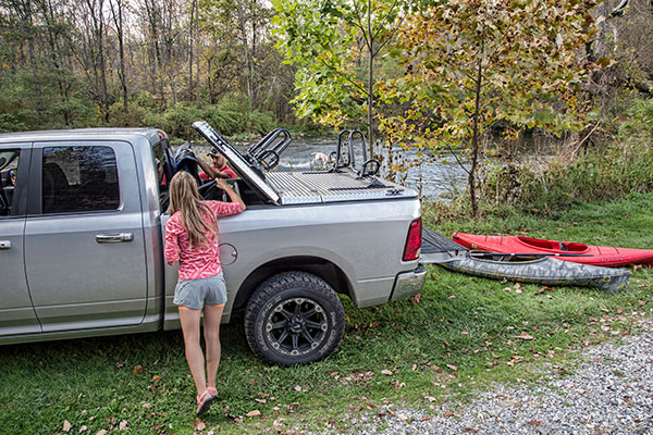 diamondback se truck bed cover lifestyle