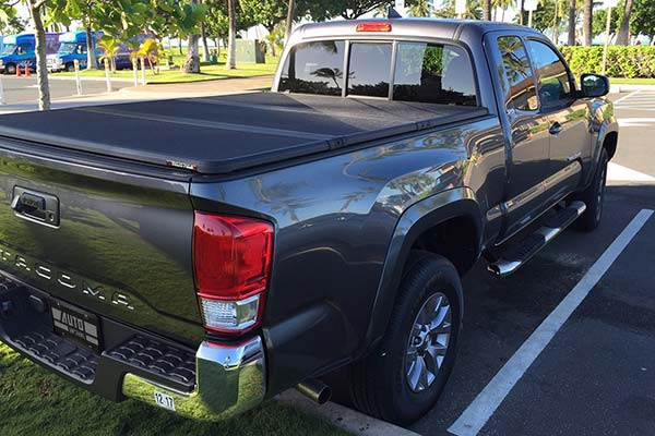 extang solid fold 2 tonneau installed on 2016 toyota tacoma