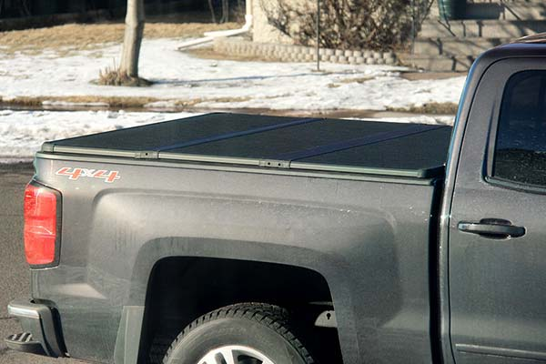 extang solid fold 2 tonneau installed on 2016 chevy silverado