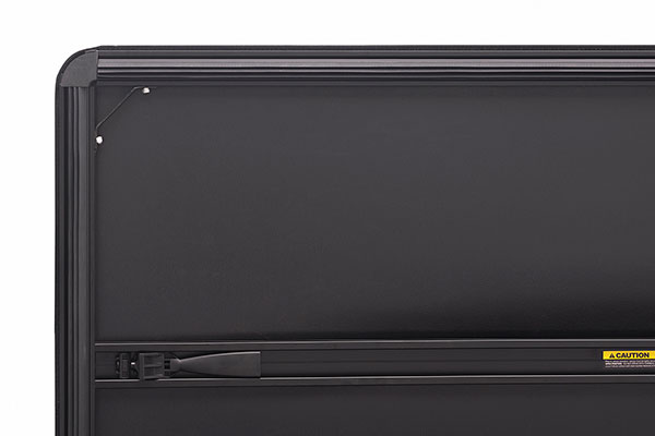 extang trifecta 2 0 folding tonneau cover detail corner