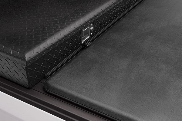 extang trifecta 2 0 toolbox tonneau cover detail toolbox