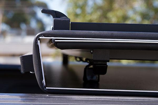 lomax-tri-fold-tonneau-cover-folded-detail
