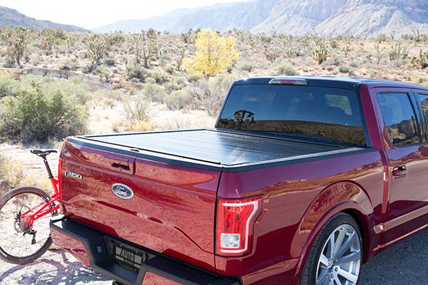 pace edwards bedlocker tonneau cover lifestyle2