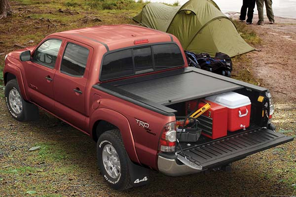 pace edwards jackrabbit tonneau cover lifestyle1