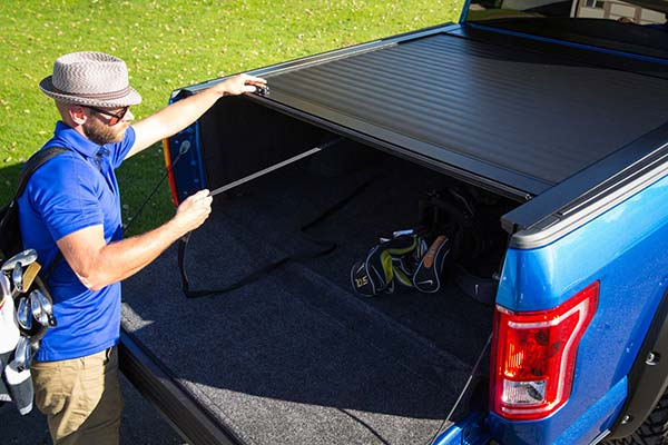 pace edwards jackrabbit tonneau cover lifestyle3