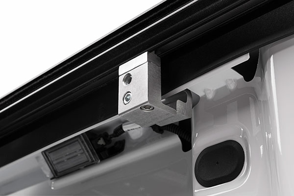 proz ultratrack premium retractable tonneau cover attach