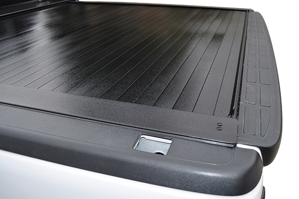proz rolltrack premium retractable tonneau cover detail