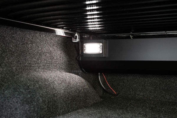 retrax-powertraxone-mx-tonneau-cover-interior-light