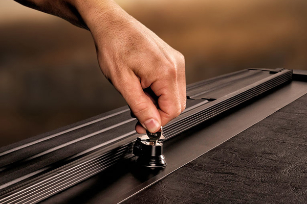 roll n lock a series retractable tonneau cover locking