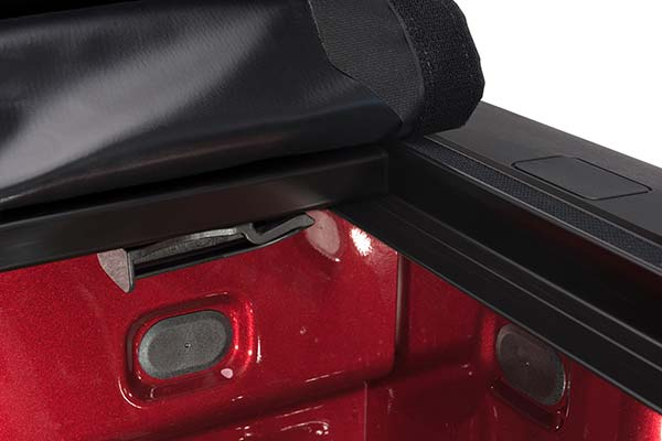 truxedo prox15 soft rolling tonneau cover detail 3
