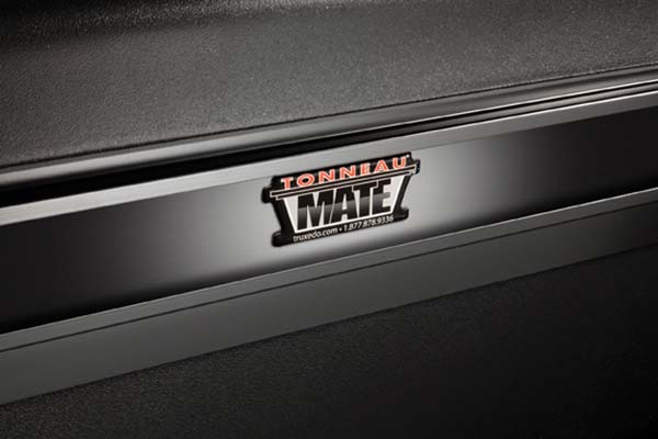 truxedo-tonneaumate-truck-toolbox-badge-detail