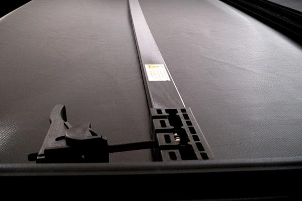 truxmart tri fold tonneau cover bar