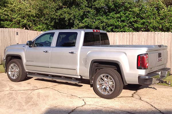 Customer Submitted Image - Undercover Elite LX Tonneau Cover for 2014 to 2019 GMC Sierra