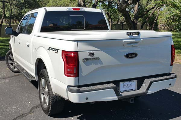 Customer Submitted Image - Undercover Elite LX Tonneau Cover for 2015 to 2020 Ford F-150