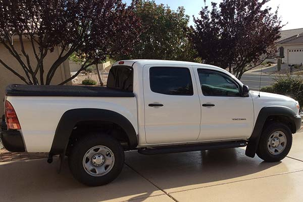 Customer Submitted Image - UnderCover SE Tonneau Cover for 2005 to 2015 Toyota Tacoma