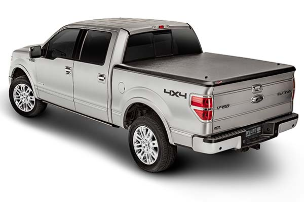 undercover-classic-tonneau-cover-installed-f150