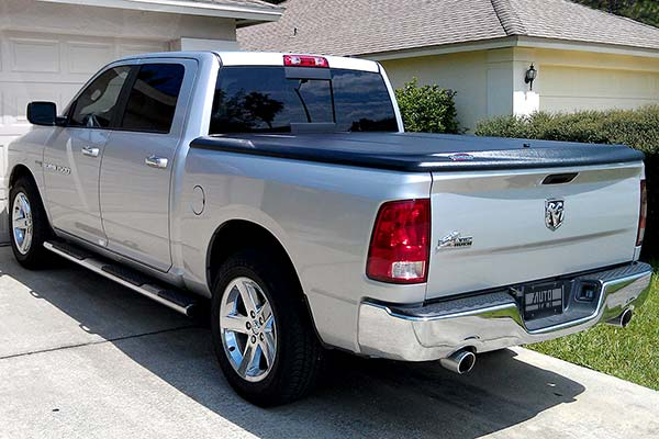 undercover se tonneau cover installed on 2011 dodge ram
