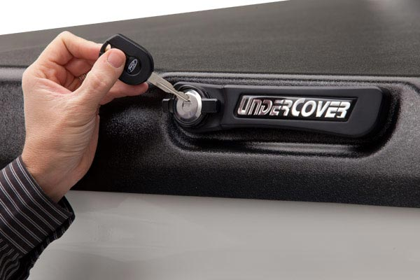 undercover elite tonneau cover lock