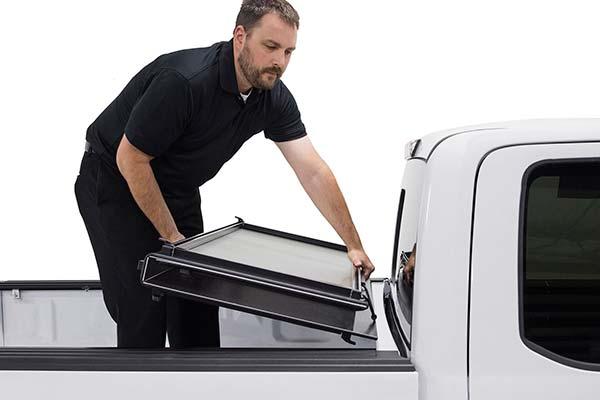 weathertech-hard-tri-fold-alloycover-tonneau-cover-demo3