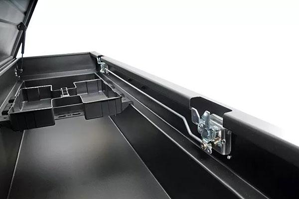 dee zee hardware series crossover toolbox inside