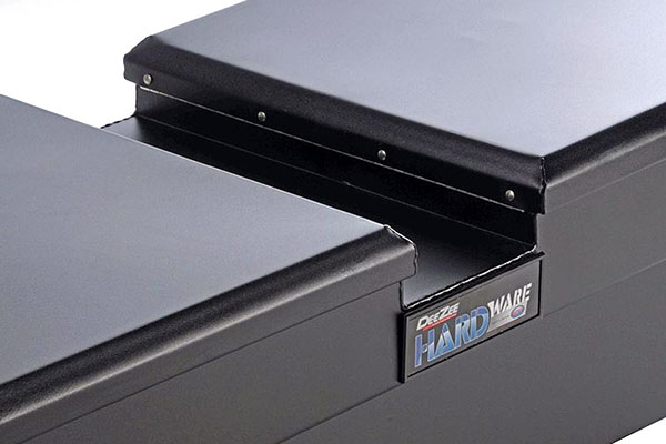 dee zee hardware series gull wing toolbox detail