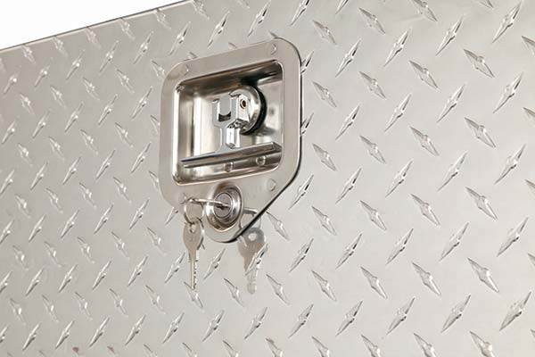 jobox-aluminum-topside-toolbox-lock-detail