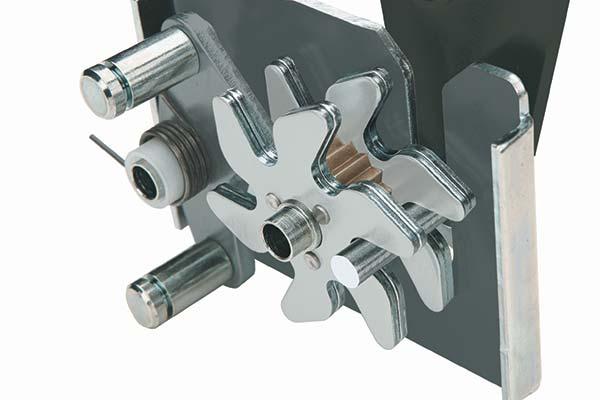 jobox-premium-steel-gull-wing-crossover-toolbox-gearlock-detail