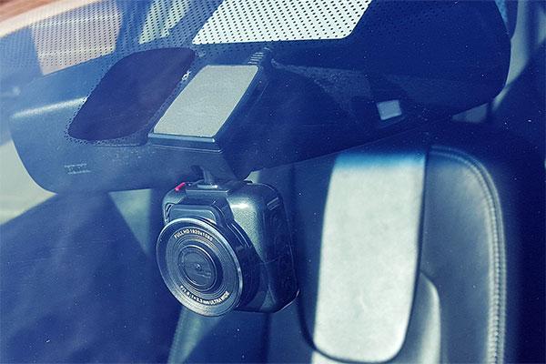 top dawg eagleeye mini 1440p dvr dash cam installed