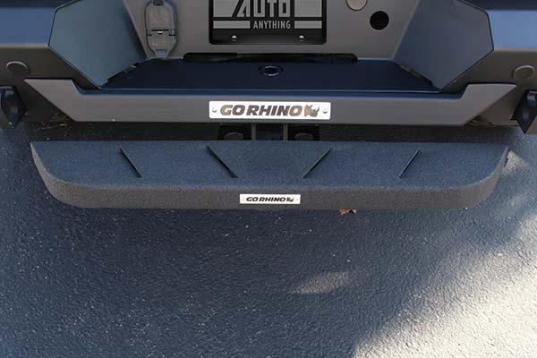 go-rhino-rb10-hitch-step-installed