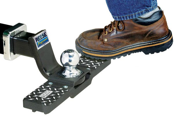 reese tow and go hitch step in use