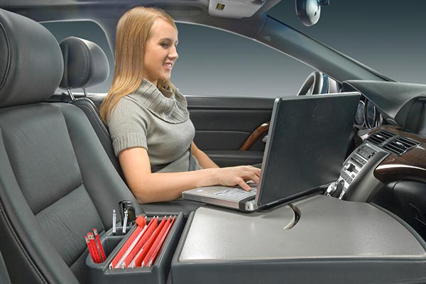 autoexec roadmaster mobile laptop desk in use