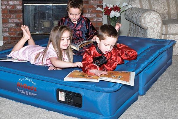 airbedz kids on mattress cropped