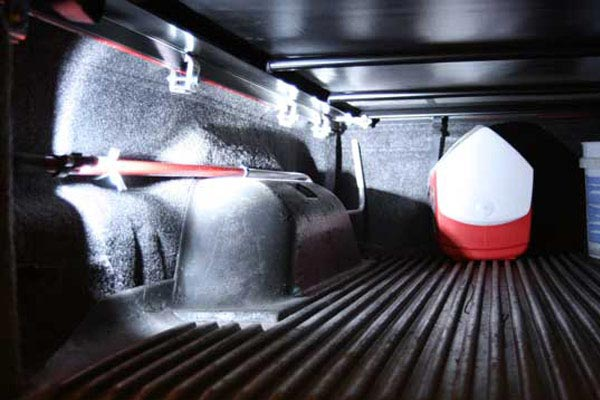 du ha reach e z extendable cargo retriever flashlight in use