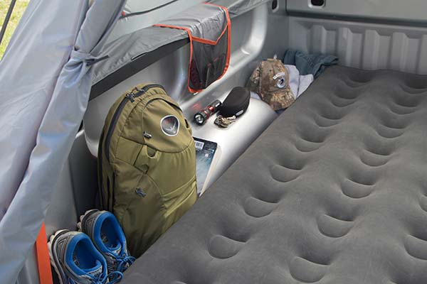 rightline gear truck bed air mattress detail 2