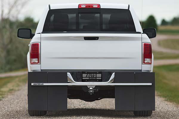 rockstar-roxter-hitch-mounted-mud-flaps-installed-dodge