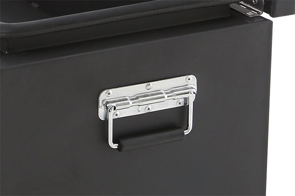 smittybilt adventure box handle detail