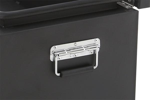 smittybilt adventure box handle detail