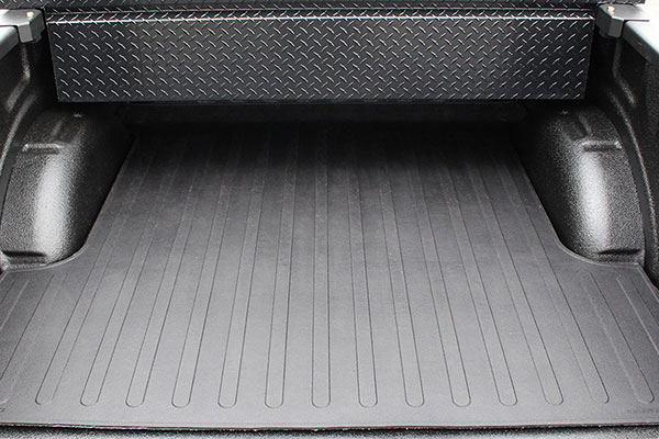 westin truck bed mat straight view