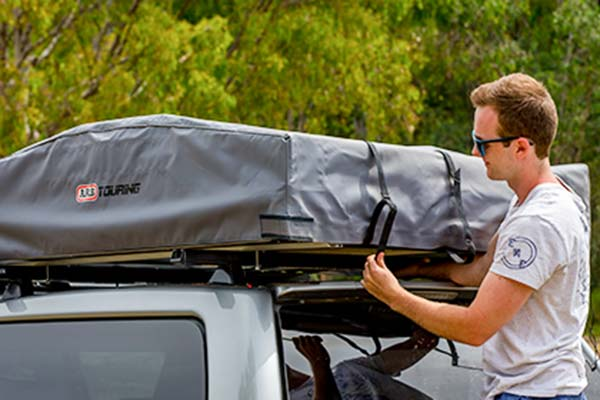 ... Bungee cord system makes packing a breeze; Tent ... & ARB 803804 - ARB Series III Simpson Rooftop Tent