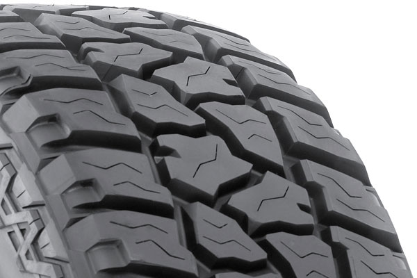 rugged ridge xhd wheel tire package tire tread detail