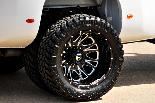 fuel throttle dually wheels rear detail