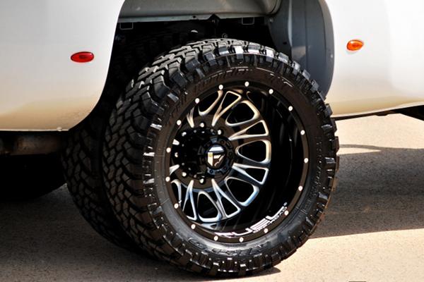 fuel throttle dually wheels rear detail