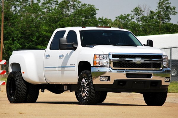 fuel throttle dually wheels silverado lifestyle