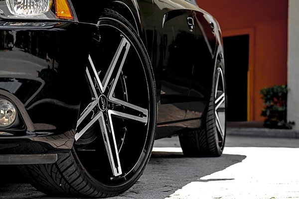 ruff racing r359 wheels dodge charger detail
