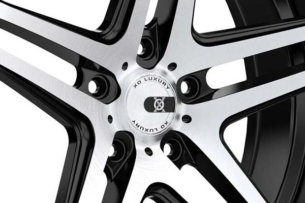 xo-luxury-caracas-x233-wheels-center