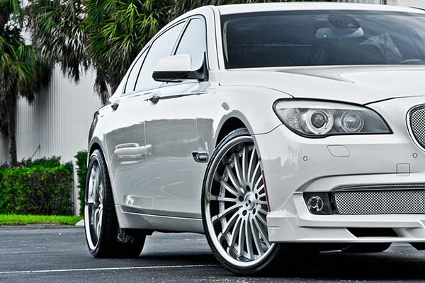 xo-luxury-new-york-x130-wheels-matte-silver-brushed-face-lifestyle3