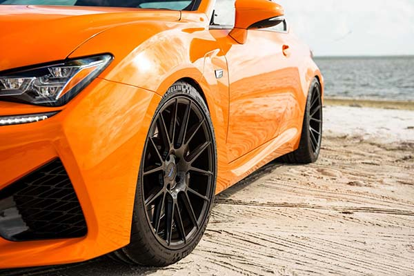 xo-luxury-xf1-wheels-gloss-black-lifestyle4